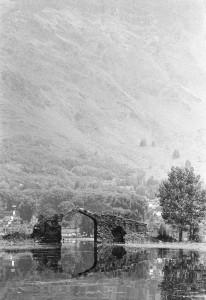 Shikara ride - Dal lake, old bridge 2
