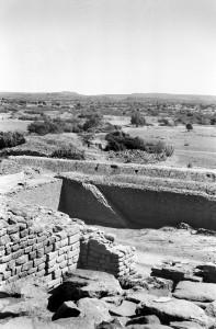 Dholavira - Large tank from east gateway
